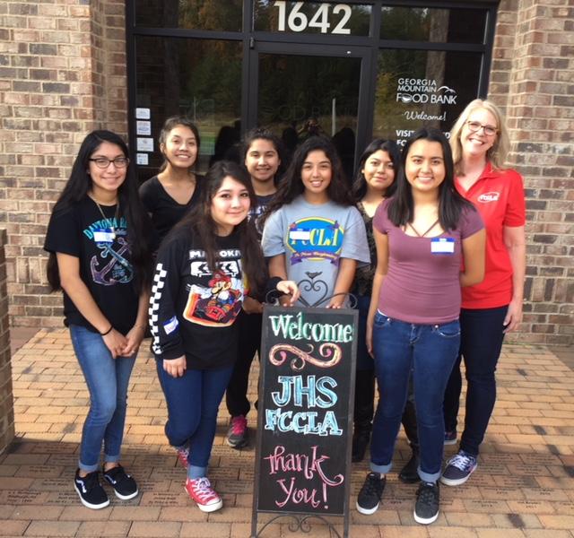 JHS Volunteers at Local Food Bank