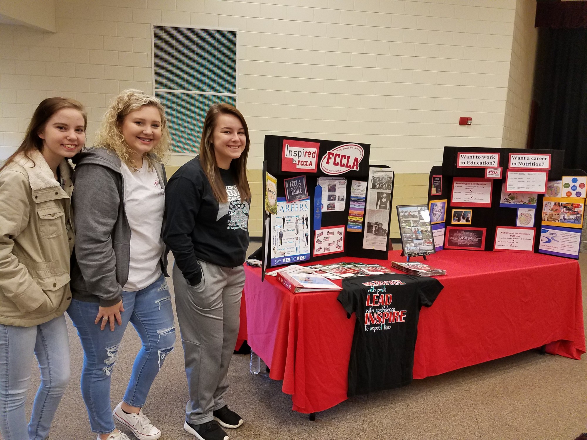 CHS Members Present at Middle School Pathway Fair