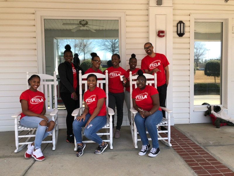 SGHS Volunteers with Eastside Gardens Retirement Home