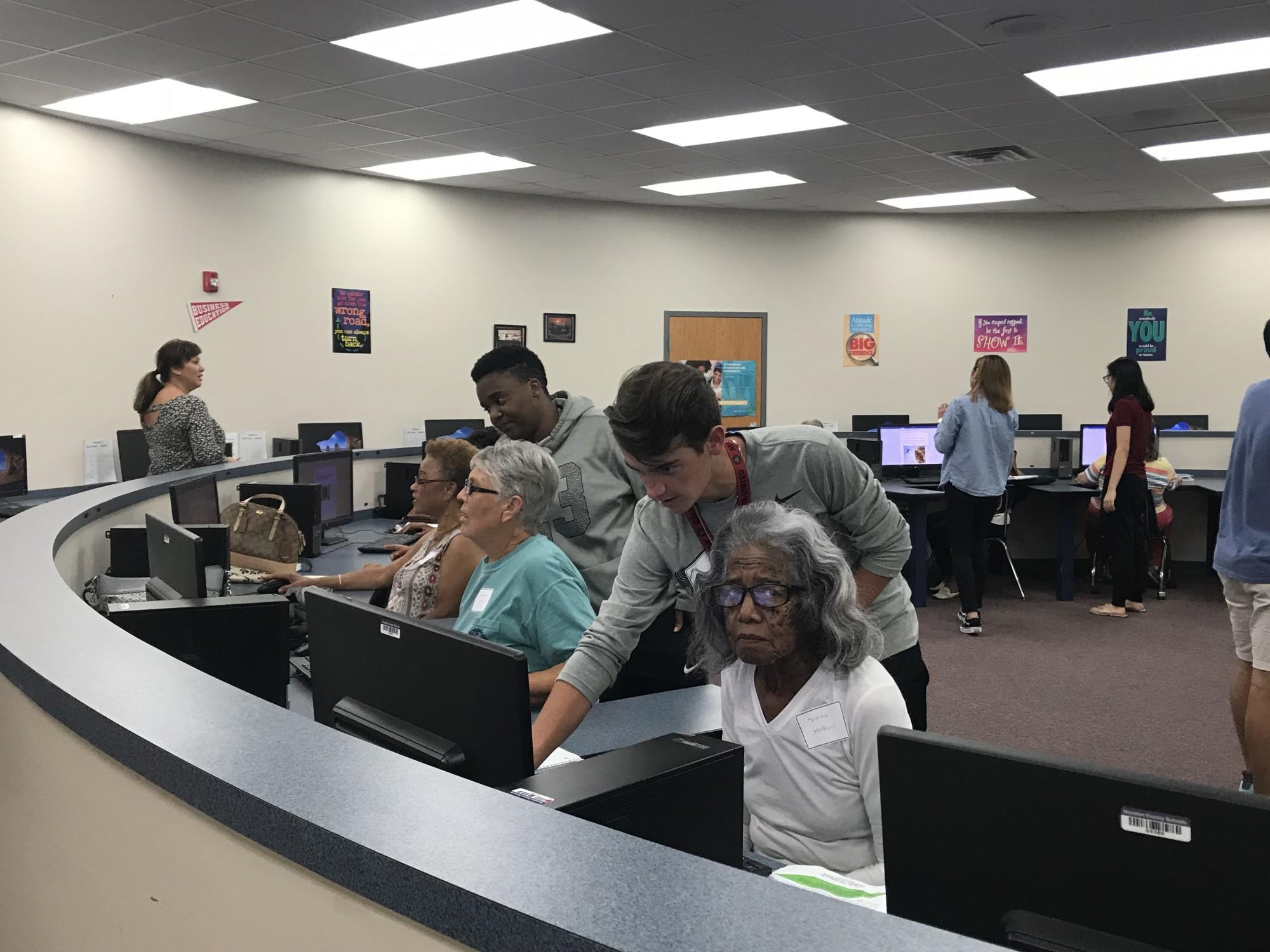 Teens Teach Through Technology